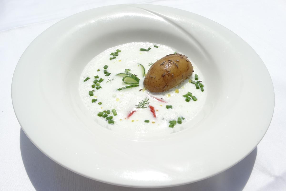 Buttermilch-Gurkensuppe